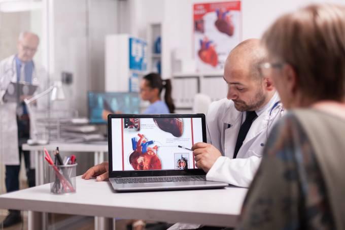 Ecocardiografia: exame diagnostica patologias e possibilita tratamento